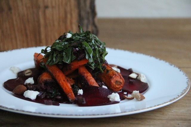 Cheap, Sustainable, Delicious: A Colorful Carrot and Beet Entree #Recipe: Garlic Clove, Blue Cheese, Beets Entrees, Color Carrots, Entr Recipe, Roasted Carrots, Thanksgiving Recipes, Savoury Food, Delicious Beets