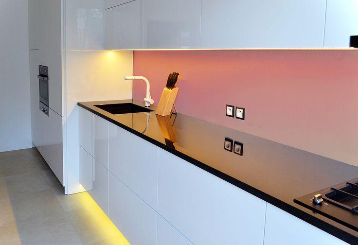 Granit jest doskonałym materiałem, idealnym na blat w kuchni. | Maszroom.com