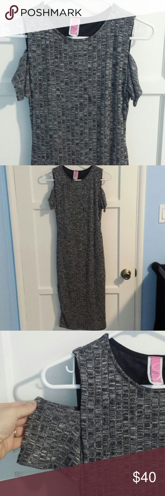 "NWOT Below the Knee Dress with Shoulder Sleeves Brand new without tags comfortable dress. It has off the shoulder straps. It comes below the knee. 43"" from Shoulder to the bottom.  95% Polyester 5% Spandex Route U.S.A Dresses Midi"