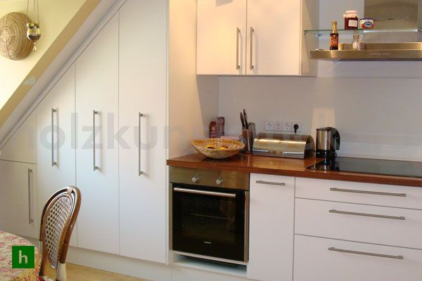 holzkunststück.de - moderne küche unter dachschräge - schreinerei