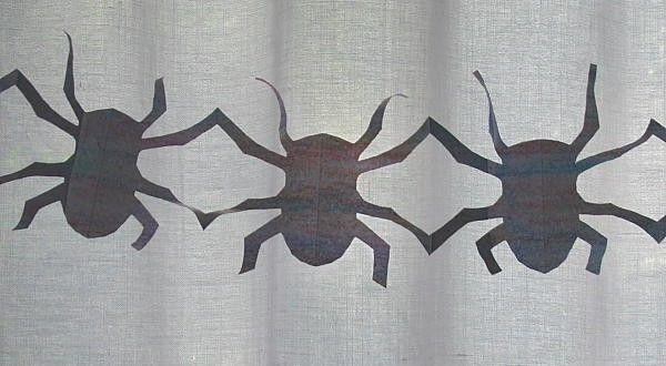 Lavoretti per Halloween GHIRLANDE ritagliate - qui abbiamo fatto una ghirlanda ritagliata di ragni, ...