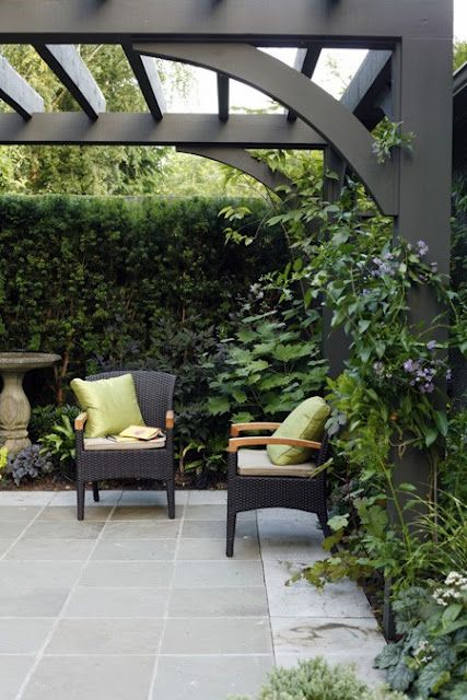 Love this simple pergola design and ABSOLUTELY love the stone pad