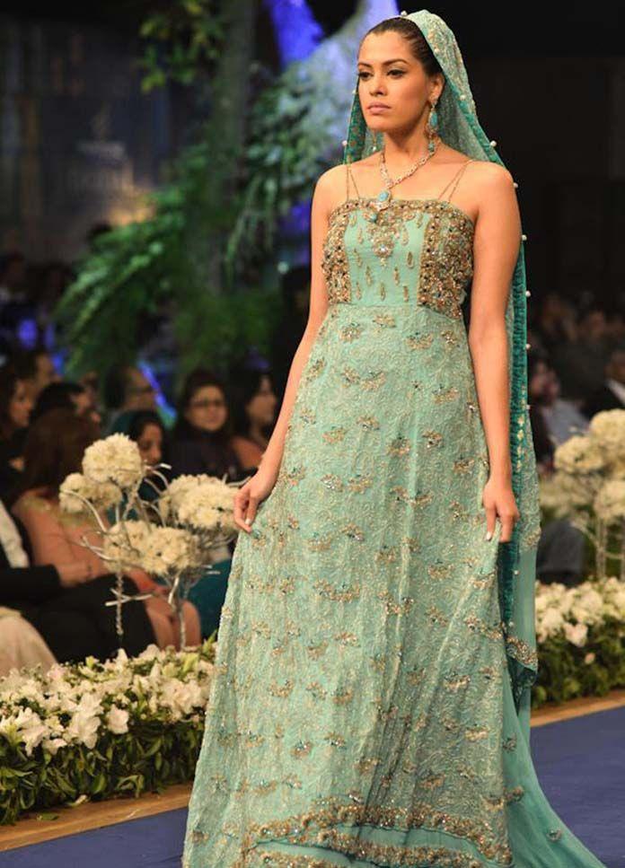 wedding lehenga collection for 2013   Pakistani Designers Bridal Lehengas Collection 2013 (5)
