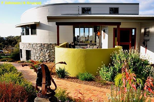 Australian Native Garden Inspiration - Cloudy Hill Garden