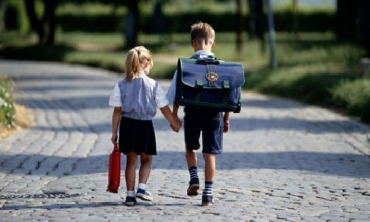 When should my child start school? - Kidspot