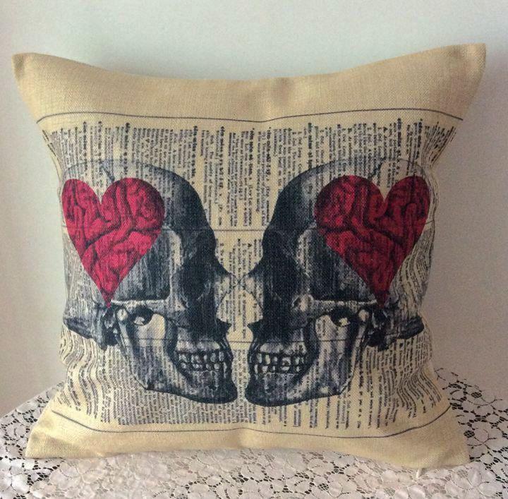 1PCS 17x17 Vintage Love Heart Sugar Skull by CushionCoverMiniHat