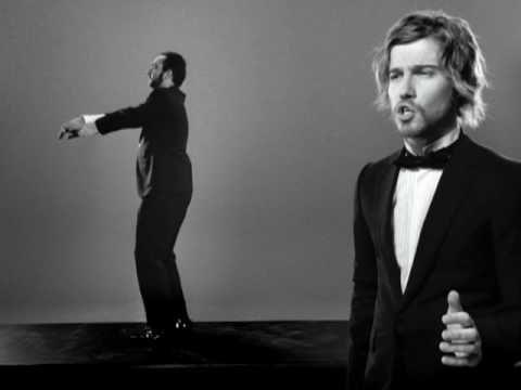 Julien Doré - Les Limites (Julien chante homme barbu danse)