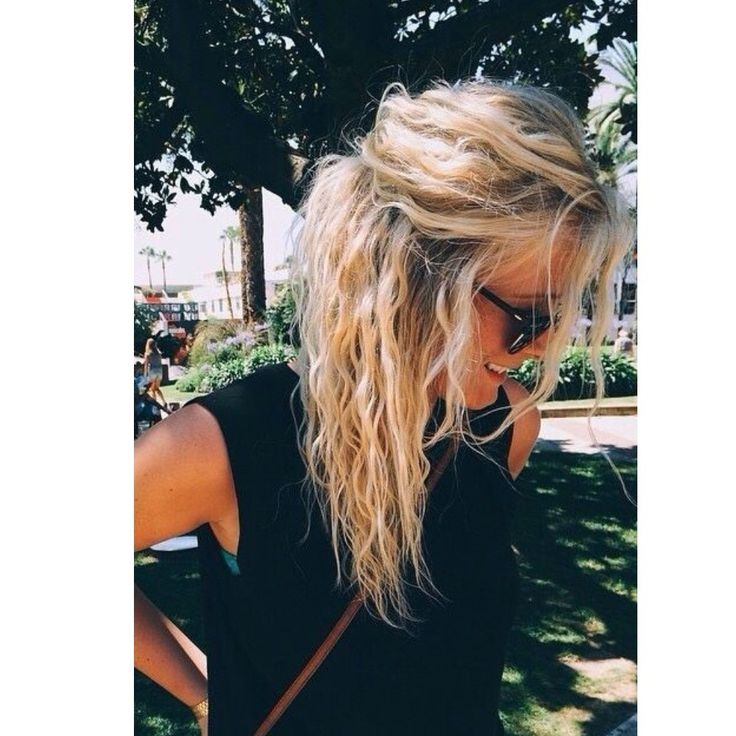 I seriously love her hair