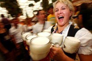 Riccione, Festa della Birra settembre 2013 contest band. Stand gastronomici con menù tipico tirolese, spettacolo in stile tirolese, musica dal vivo e gruppi rock