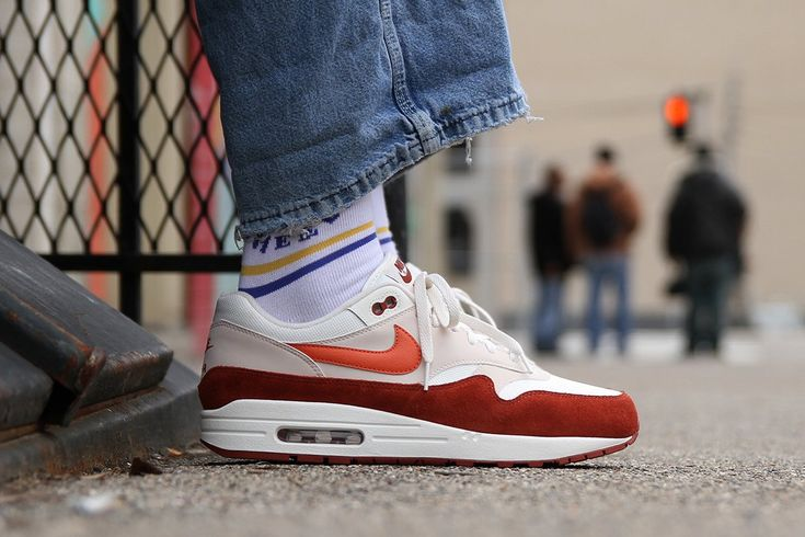 Nike Air Max 1 in Vintage Coral/Mars Stone - EU Kicks: Sneaker ...