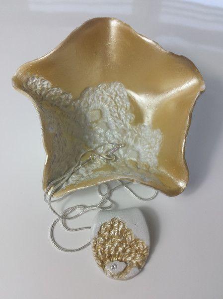 Ketten kurz - Halskette m.selbstgemachten Anhänger aus Ton - ein Designerstück von uwe-hess bei DaWanda