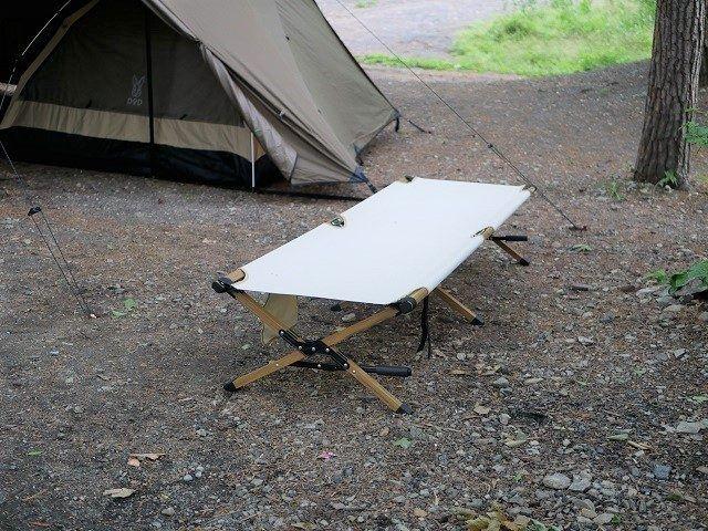 テントの横にハイランダーのコットをおいてみた ハイランダー コット キャンプ
