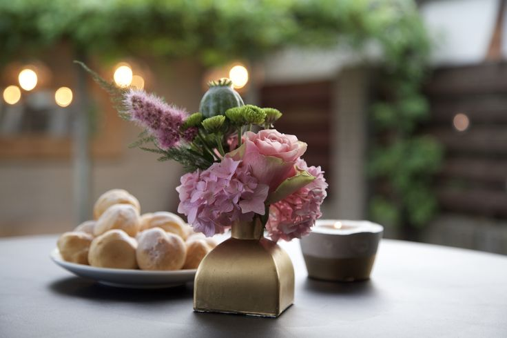 #bloemschikken #bloemstyling #bloemen #bloemstuk #feest #flowers #vaasje