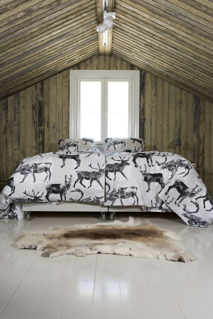 PENTIK - Fauna Duvet Cover Set Poro (Reindeer)  Fauna Poro (Reindeer) duvet covers bring nature into your dreams. Designed by Lasse Kovanen, the duvet cover is 150x210 cm in size and the pillow case 50x60 cm. Made of 100 % cotton, they are machine washable at 60 degrees.