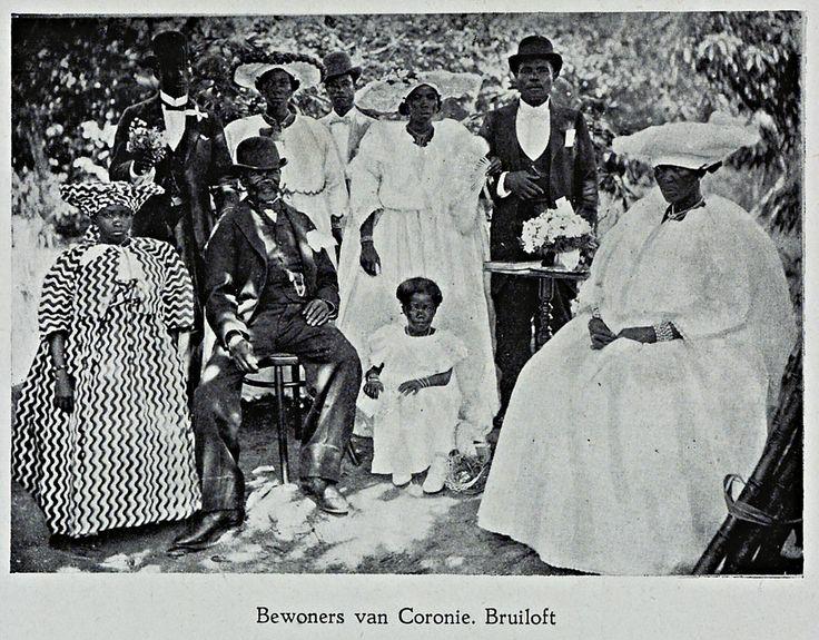 Een bruiloft in Coronie  Begin 20e eeuw Bron: Universiteit Amsterdam Surinamica, Dubbelklik voor meer info.