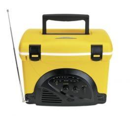 Koelbox, inhoud ca. 4 liter. Voorzien van FM-radio. Afmetingen: 30 x 24 x 22 cm. Excl. batterijen.