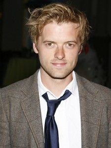 Adam Campbell Hairstyle, Makeup, Suits, Shoes and Perfume