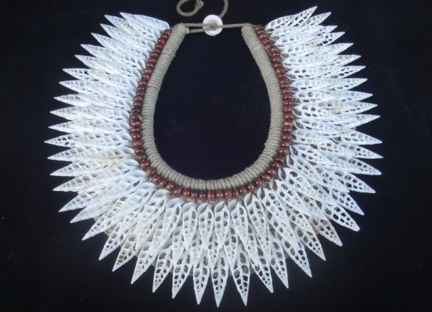 Shining Shell Necklace Tribal Home Decor Interior Design Boho Luxe Fashion Show #Ratna