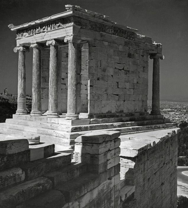 Herbert List  GREECE. Athens. The Acropolis. Temple of Nikae. 1937.
