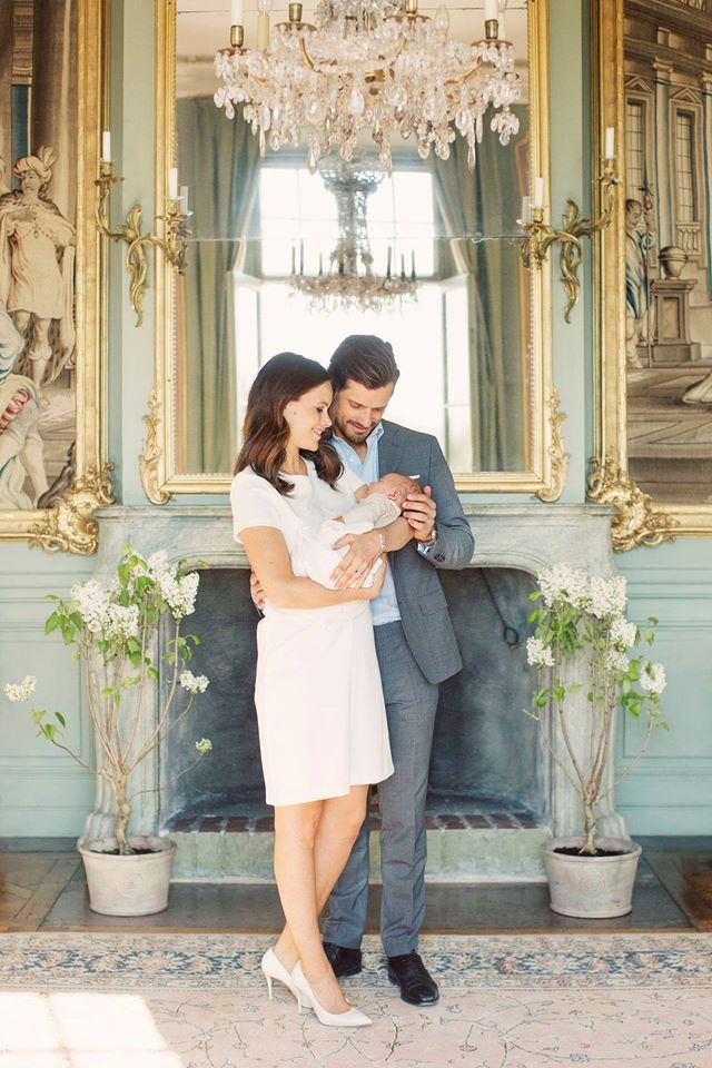 Prince Carl Philip of Sweden celebrates his 37th birthday today May 13th. On the occasion of the birthday, royal palace of Sweden published a series of photos of Prince Carl Philip, Princess Sofia and their baby Prince Alexander at Drottningholm Palace