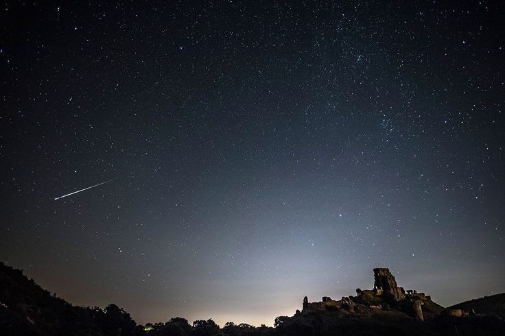 Stargazers should be in for a treat this week as the annual Orionid meteor shower peaks – with up to 20 shooting stars per hour.  The meteor shower – remnants of Halley's Comet – happens every year in October.