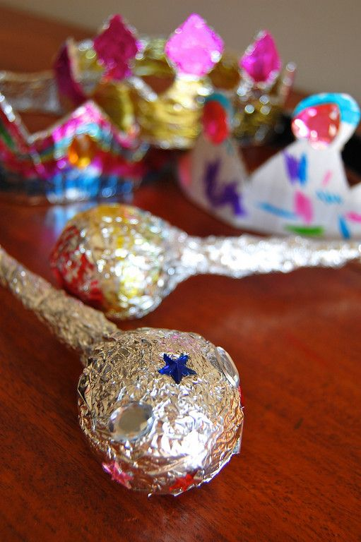 Royal scepters and crowns from foil - You could make these when doing the Kingdom Tales series from Elevate!