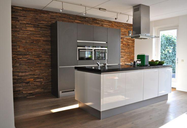 keuken met wonderwall na STIJLIDEE's interieuradvies, kleuradvies en styling via www.stijlidee.nl