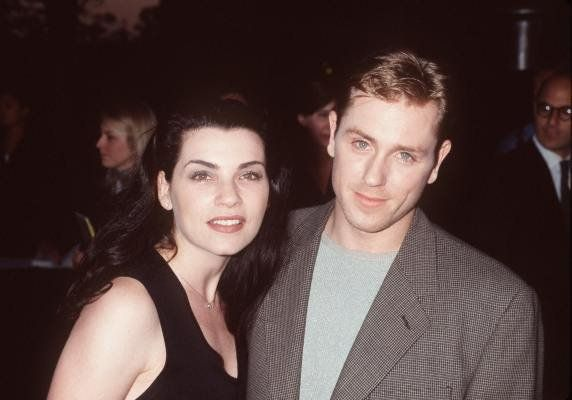 Julianna Margulies and Ron Eldard at event of Deep Impact