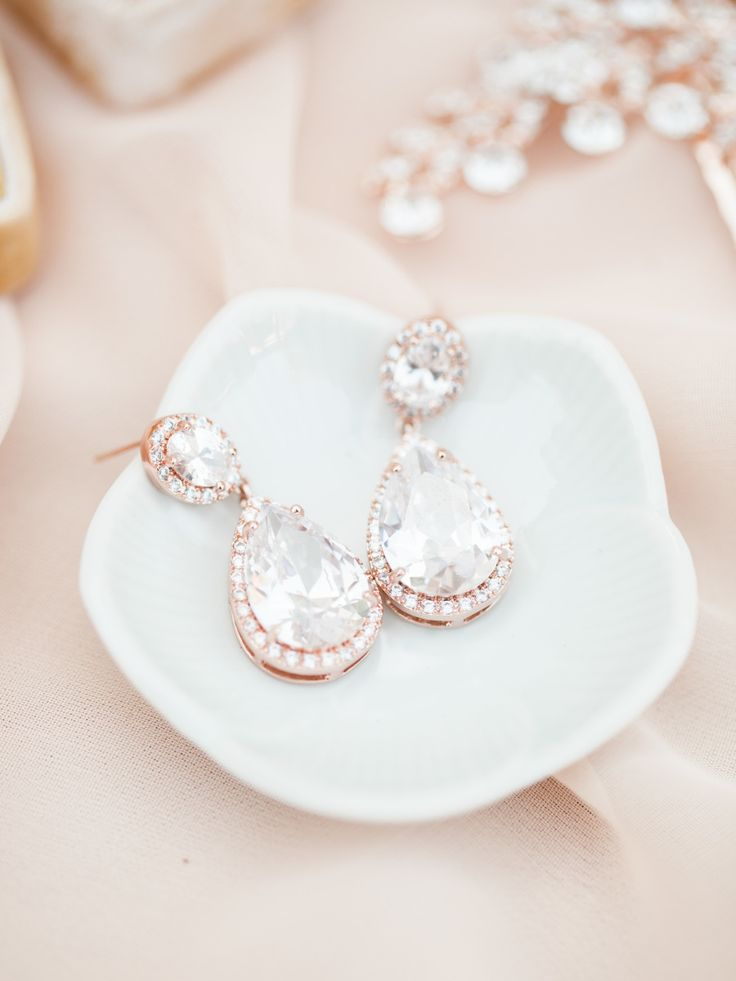 #earrings  Photography: Sposto Photography - spostophotography.com Jewelry: Petals And Stones - shoppetalsandstones.com - rose gold earrings