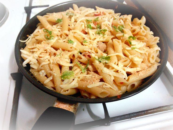 Simple cheese macaroni
