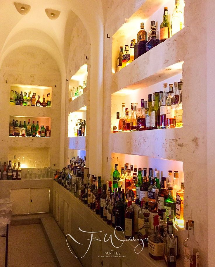 Time for a drink. See you at the Hotel Bar: Bar del Portico @borgoegnazia Is the perfect lounge area in which to spend some time before or after any meeting or event. Bar del Portico has an indoor area with a chimney and an area under charming barrel vaults from which you can see the Itria valley during the day and by night a beautiful show of lights over the two La Corte pools.