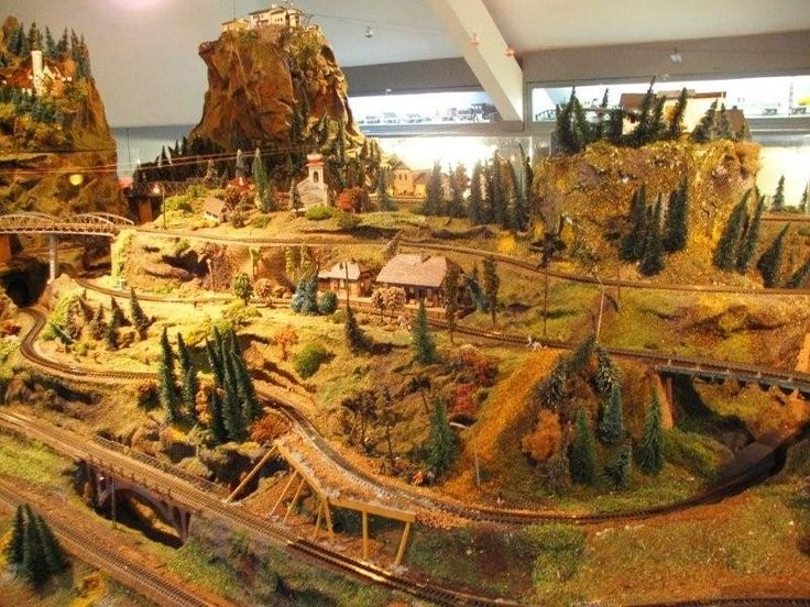 Model railroad, Another Bad ass layout.  I feel as though O might not be the way to go for me!