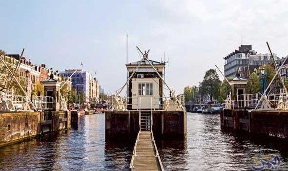 كونشيز يتميز بأنه الفندق الأول في هولندا الذي يتم تشغيله بالكامل بواسطة الرياح Vacation Trips Places To Go Europe Travel