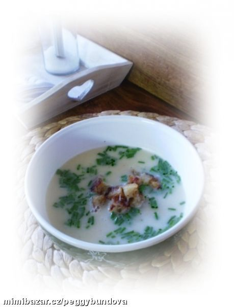 Pórková krémová polévka se smetanou luxusní