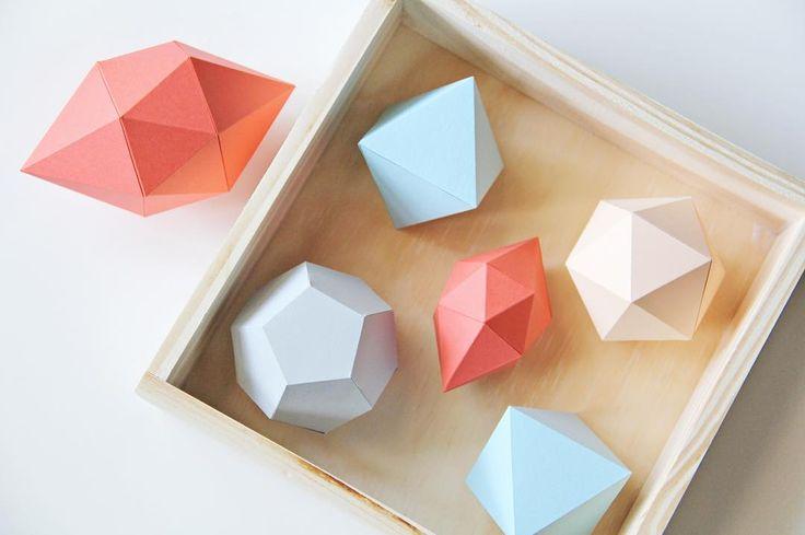 """Testing new shapes and colors   #origami #handmade #paper #papel #papier #papercut #crane #papercraft #papercrafts #decor #decoration #homedecor…"""