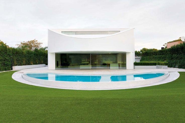 Una impresionante casa con forma elíptica