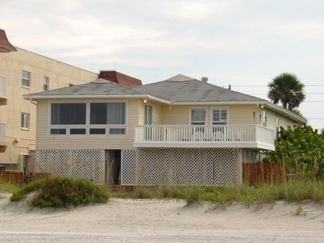 Exterior-Gulf Front - Gulf Front House - Indian Rocks Beach - rentals