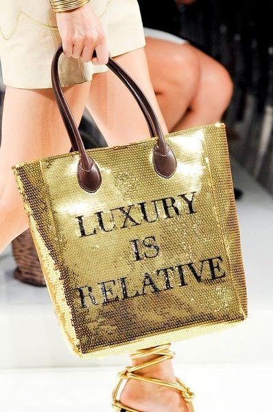 ~via ZsaZsa Bellagio: Luxury, Fashion, Style, Handbags, Purse, Golden, Moschino