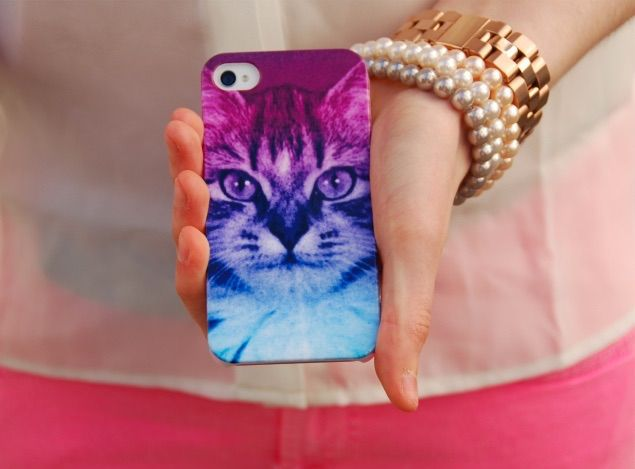 Cute cat ombré iPhone case so cute and prevents from screen breakage