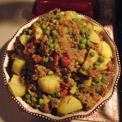 Aloo keema curry
