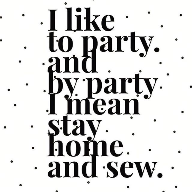 Cheers to Sunday everyone! This sums up our weekends. How about yours?! Like if you agree ✂️ ✂️ ✂️#rjrfabrics #quiltwithlove