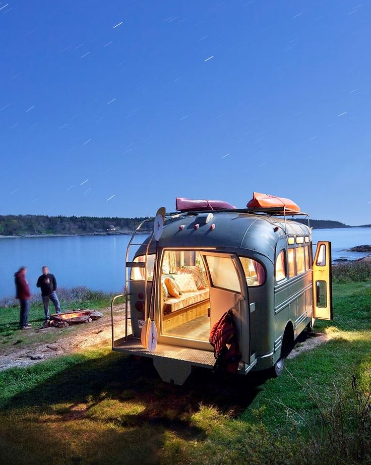 Pas besoin d'hôtel lorsque vous voyagez en mini-van aménagé. Vous pouvez passer la nuit sous la belle étoile #minivan #camping