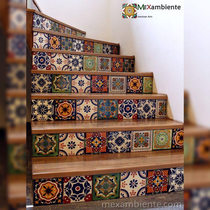 Wunderschöne bunte mexikanische Fliesen mit Muster für Treppenstufen. Unsere Fliesen aus Mexiko zieren auch Treppen, die nicht jeder hat! Mit Mexambiente- Fliesen gestaltete Treppen schaffen individuelle und angenehme Wohnqualität im Treppenhaus. #fliesen #treppe #treppenstufen #renovieren #inneneinrichtung #hausideen #mexikanischefliesen #marokkanisch #spanisch #mediterran #rustikal #landhaus #mexikanisch #bunt #gemustert #mexicantiles #talaveratiles