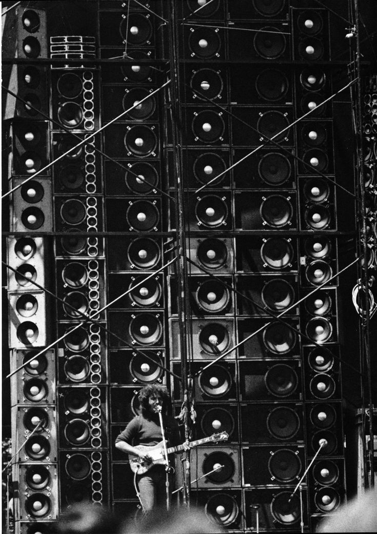 Jerry Garcia + the Wall of Sound