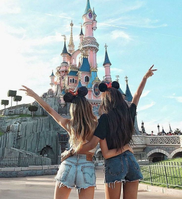Visit disneyland with your bff. Share with your friends. #disney #disneyland #fr… – BFF Truth 👩❤️💋👩