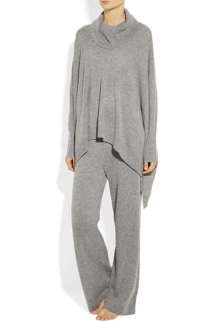 Donna Karan Sleepwear ...If I had this on I might never get dressed, EVER!!!