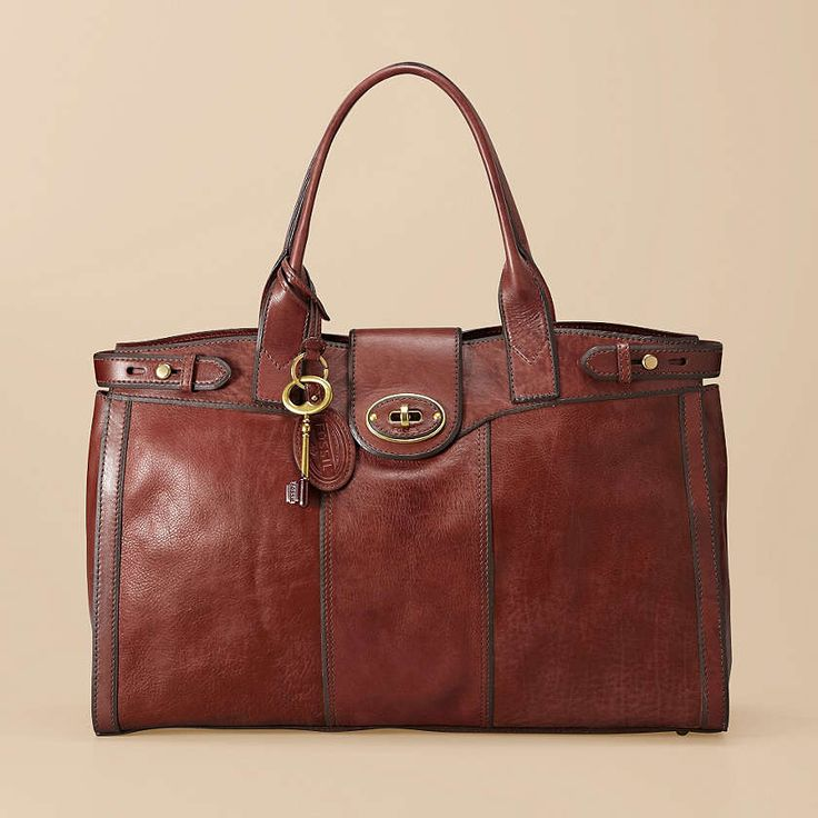 The Vintage Re-Issue weekender is part of our all-time favorite collection. Inspired by Italian bags from the '70s, this rich leather carryall is classic and stylish.: Fossil Vintage, Re Issue Weekender, Handbags, Style, Fossils