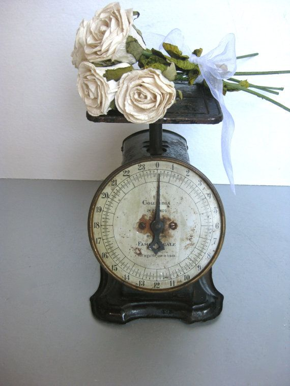 Antique scale vintage scale old scale rustic farmhouse for Rustic kitchen scale
