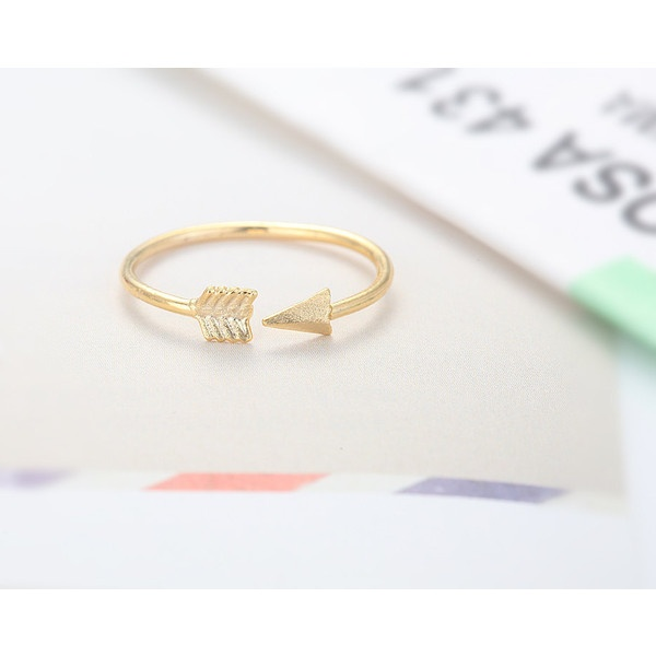 Adjustable Arrow Knuckle Ring - Gold // R0025-GD // Gold... ($12) ❤ liked on Polyvore