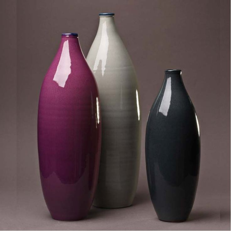 Vase en céramique réalisé à la main aux couleurs remarquables par les ateliers bernex ce vase made in france vendu à lunité est disponible en 3 tailles 37